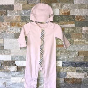 Authentic Burberry one piece with a hat o-3months